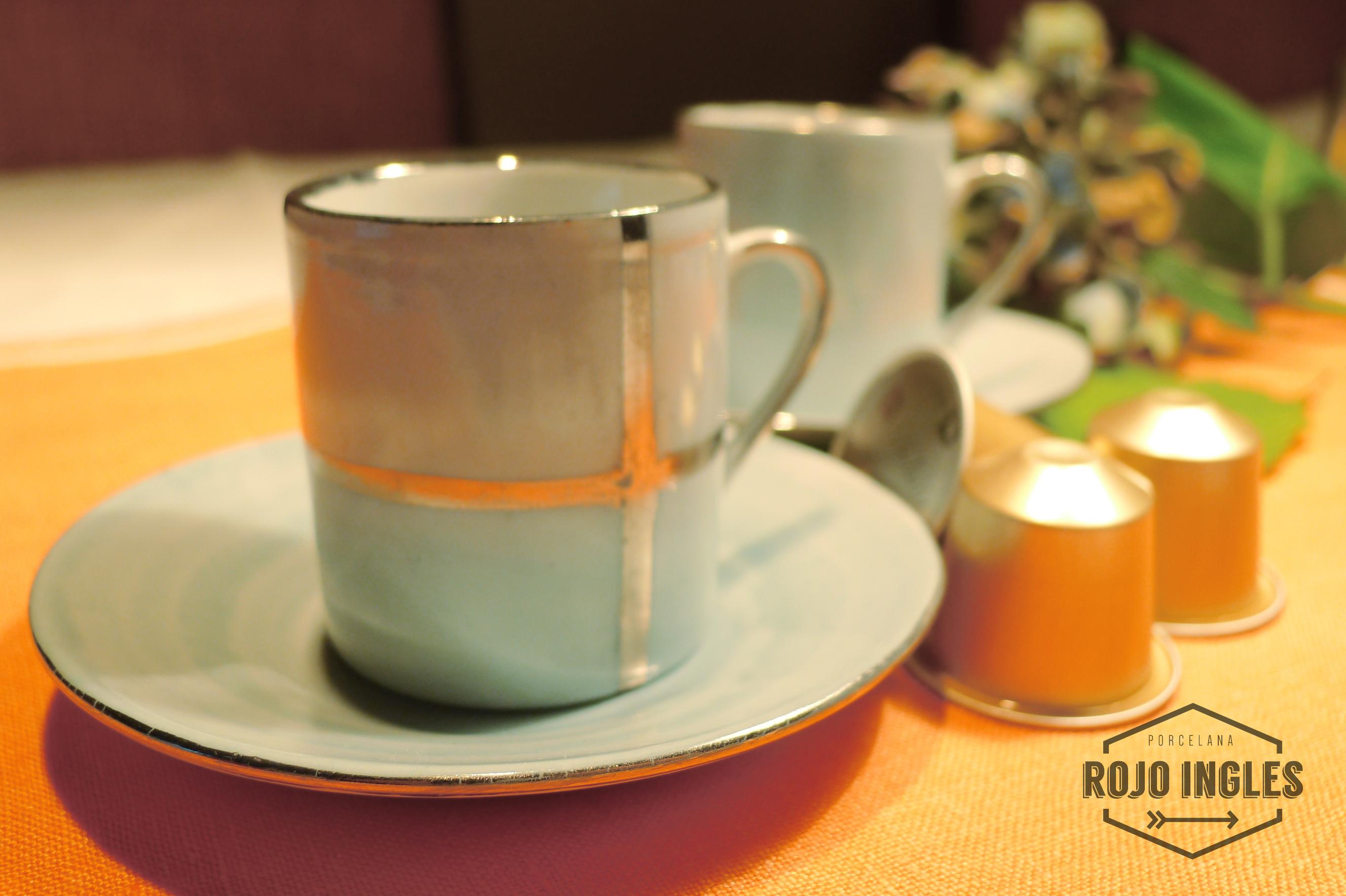 Juego tazas de caf aguamarina y platino rojo ingl s for Juego tazas cafe